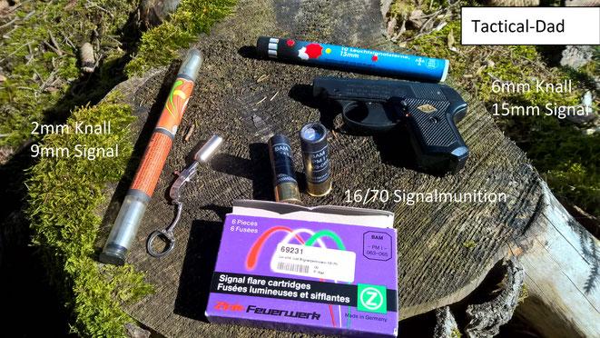 Auch Schreckschusswaffen kann man durchaus zur Signalgebung nutzen. Die 2mm Berloque oder Xythos Waffen sind für Notfälle absolut unbrauchbar. Für Jäger eignen sich evtl. die frei verkäuflichen Signalpatronen in Flintenkalibern.
