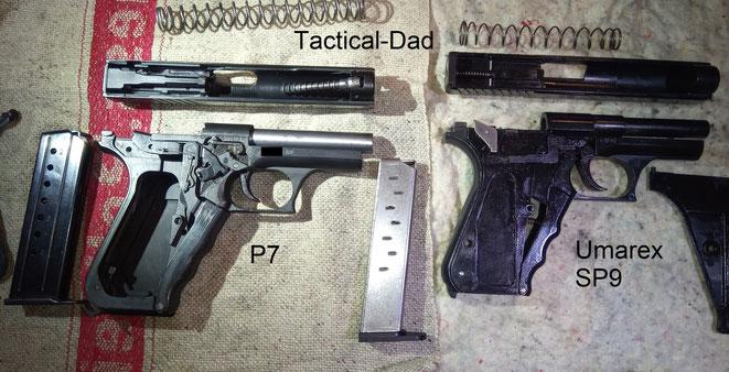Obwohl sich die Mechanik beider Pistolen wesentlich unterscheiden sehen sie sich dennoch auch im Inneren ähnlich.