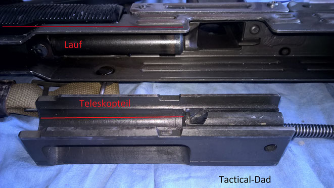 Was viele nicht wissen ist, dass die UZI viele technische Details der VZ26 MP kopiert. Das wichtigste davon ist der Teleskopverschluss. Da viel davon über den Lauf geht spart man in der Länge der Waffe ein.