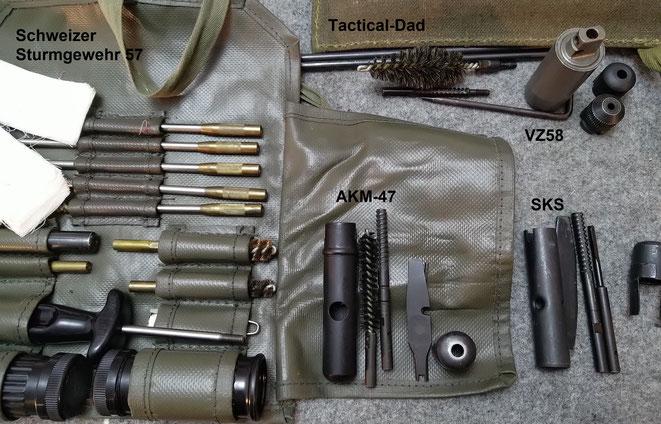 Reinigungsgerät für das schweizer Stumgewehr 57, für das tschechische VZ58, die AKM-47 und den SKS.