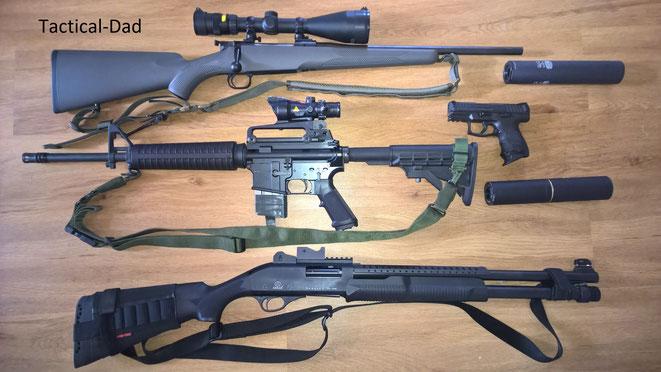 "Mauser M12 ""Extreme"" in .308 mit Trijicon Zielfernrohr, Oberland Arms OA-15 mit Trijicon ACOG, H&K SFP9 SK, TK-355 Repertierflinte mit ""SeeAll Open Sight""."