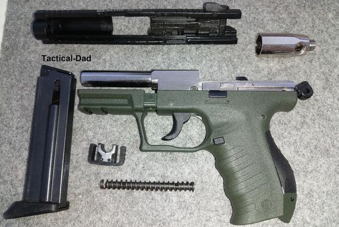 Was die Blow TR34 Gaspistole im Zulassungsverfahren deutlich von der Walther P22 PTB-Pistole unterscheidet ist, dass sie keine Schwächungen am Kartuschenlager hat.