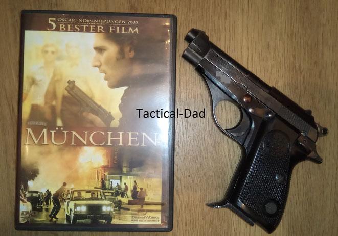 Beim Film München geht es um Mossad Agenten die für das Olympia Attentat Rache nehmen. Rechts ist meine Beretta 71 im Kaliber .22lfB.