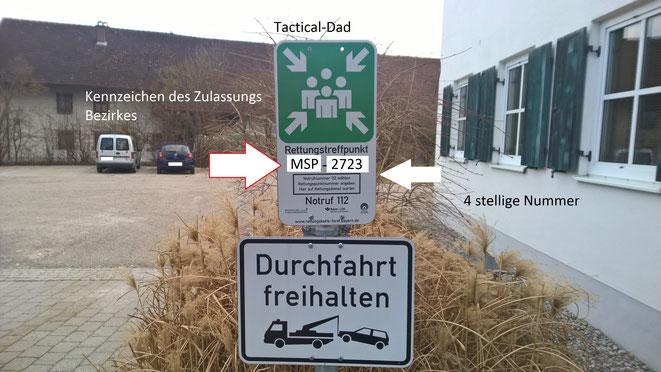 """Die Rettungstreffpunkte der """"Rettungskette Forst"""" sind durch diese Schilder gekennzeichnet."""