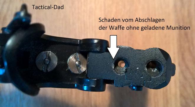 Der MK3 Derringer hat keine Laufsperre, sondern eine Laufverengung. In das Lager passen nur die kurzen 6mm Flobert Kartuschen für die er vorgesehen ist.