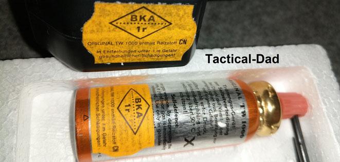 Die Pflicht für BKA Zulassungen war damals noch ganz neu und daher ist das Zulassungszeichen lediglich aufgeklebt worden.