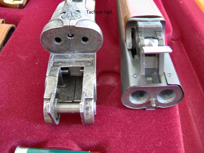 Montecarlo Spielzeuggewehr zerlegt: Basküle und Laufbündel  mit Patronenlager
