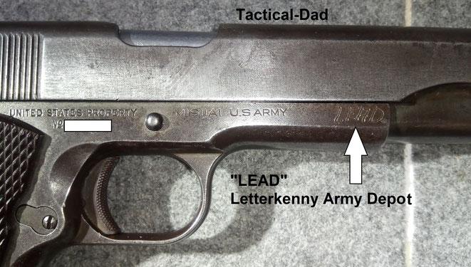"""US Militär 1911 A1 Pistole mit """"LEAD"""" Beschriftung. Der Verschluss stammt von Remington Rand, das Griffstück von Colt."""