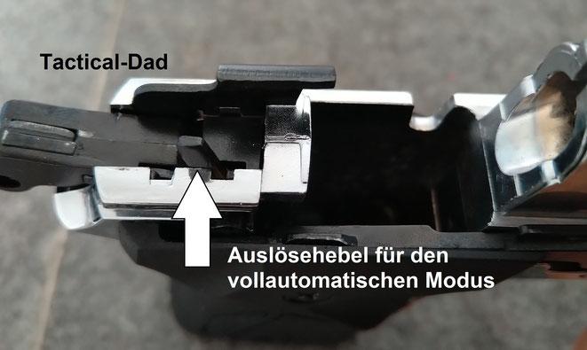 """Die vollautomatische """"Zoraki 914 Auto"""" verfügt über einen zusätzlichen Auslösehebel. Dieser wird vom Verschluss aktiviert und löst den Hammer."""