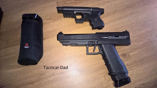 Hier seht Ihr einen Größenvergleich der T8.1 mit der JPX Pfefferpistole. Die Tiberius ist wirklich groß! Mehr zum JPX findet Du HIER.