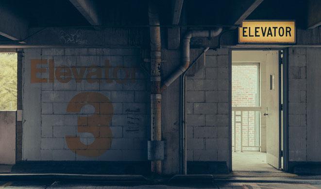 エレベーターイメージ