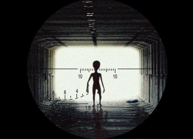 宇宙人を分析