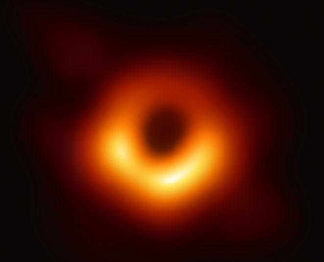 ブラックホールの画像(EHT Collaborationより)