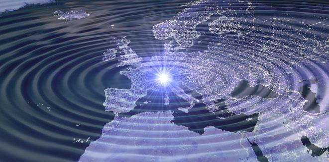 CERNのLHCが放つ重力波イメージ