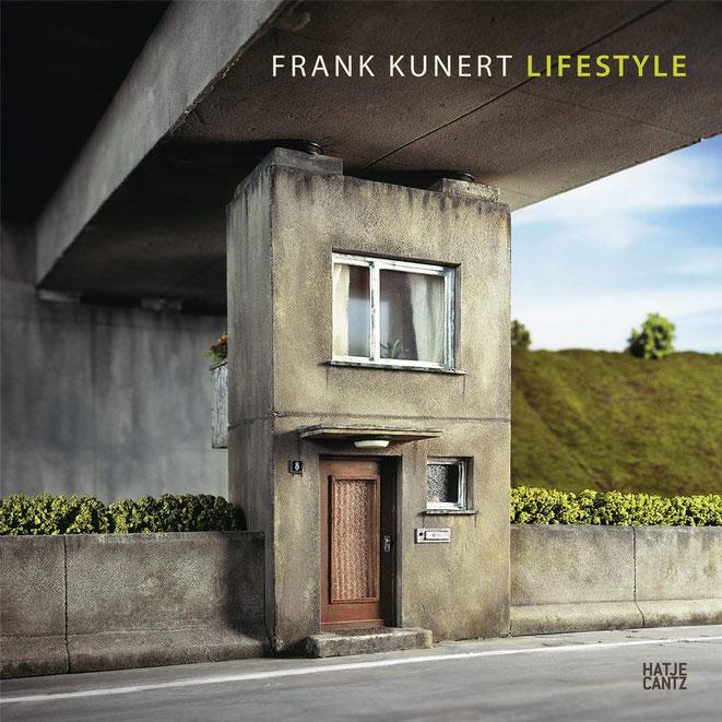Cover eines Frank-Kunert-Kunstbandes (Verlag Hatje Cantz). Dieses Werk und viele weitere Bilder sind in der aktuellen Schau im Heimatmuseum Radeburg zu sehen, auch ein Originalmodell des Künstlers
