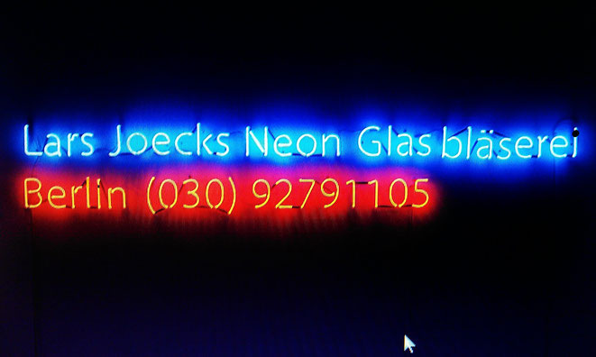 Neonschrift Neonsign// Berlin