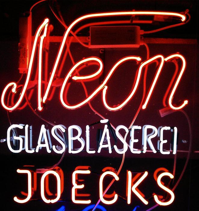 Neonbuchstaben Neonschriften // Neon Berlin