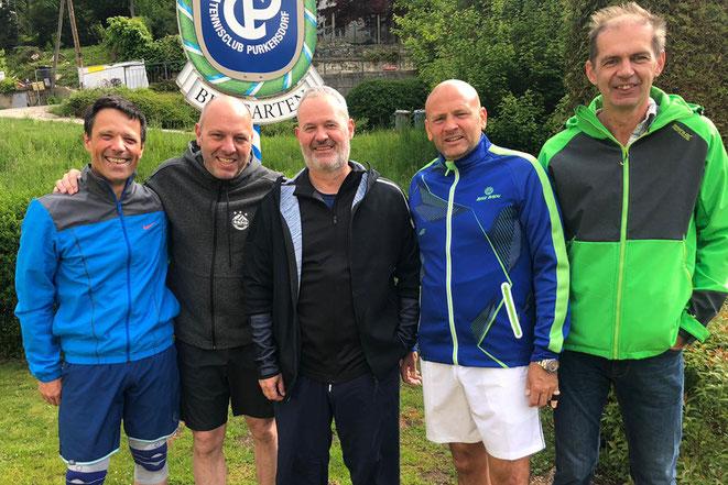 Die erfolgreichen Herren mit den Rückkehrern Thomas Schlosser (ganz rechts) und Markus Weinhold (2. v. rechts)