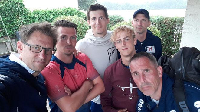 Das Lächeln ist Gery, Michael, Christoph, Thomas, Andi und Nik unmittelbar nach dem Spiel sehr schwer gefallen