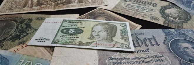 Einige alte deutsche Geldscheine
