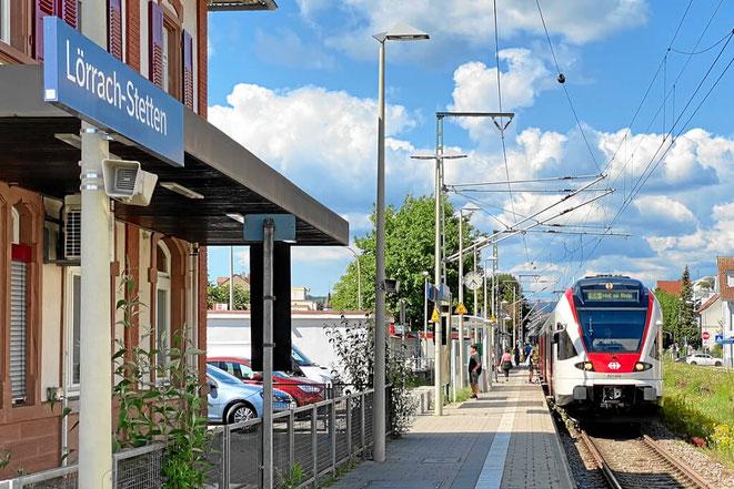 Bahnhof Lörrach Stetten. S-Bahn nach Basel. Weil am Rhein und Lörrach-City