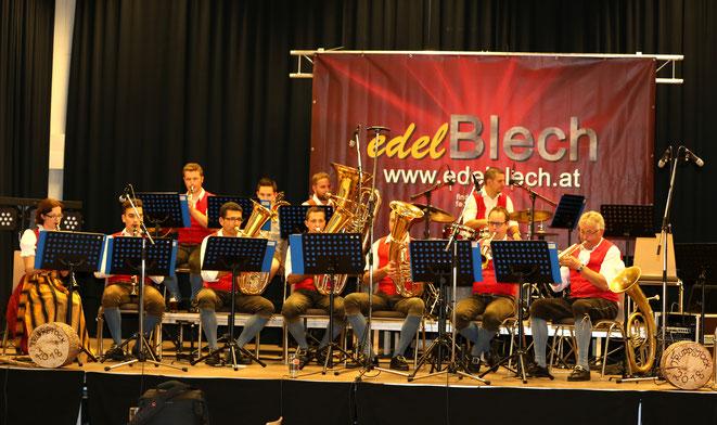 den Auftakt bildeten die Weissbacher Musikanten