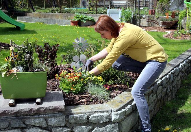 auch Gartengestaltung gehört zu ihrem Tätigkeitsbereich