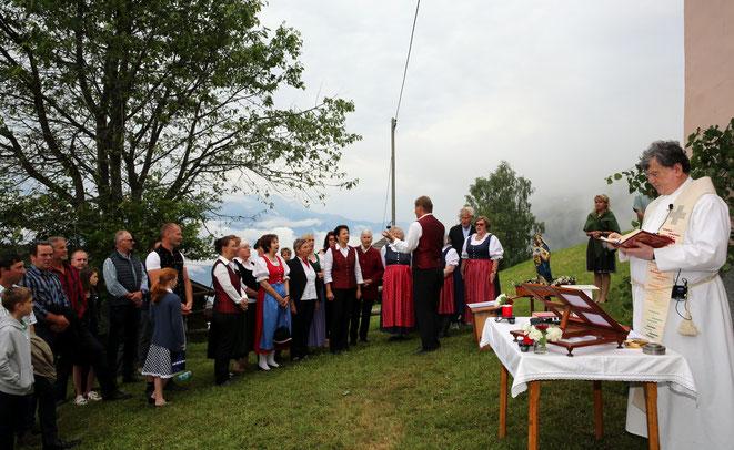 gesanglich mitgestaltet wurde der Gottesdienst vom Gemischten Chor