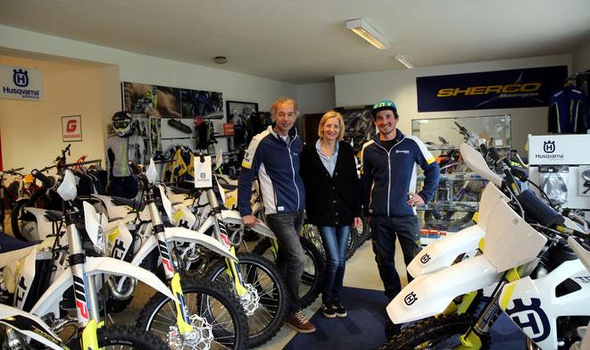 Firmenchef Andreas Obereder mit Gattin Daniela u. Mechaniker Philipp