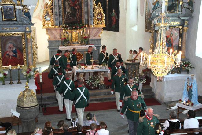 """""""Opfergang"""" des Uniform. Schützenkorps Steinfeld"""