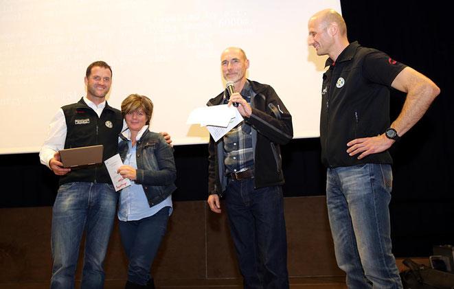 auch drei Tandemflüge mit einem Gleitschirm wurden verlost - einen davon gewann Gaby Raunig