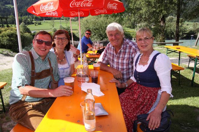 auch unsere Südtiroler Freunde mit Stukkateurmeister a. D. Sepp Pirker (hi. re.) waren bester Laune