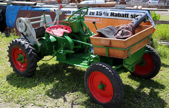 ein Traktor, der in Gerlamoos angeblich heute noch viel in Verwendung ist ?