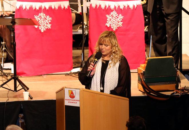 Christiane Tschabitscher führte durch das Programm