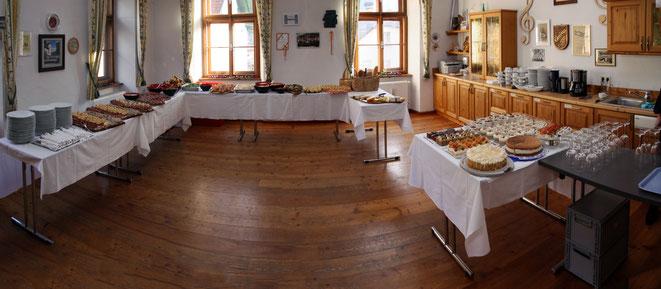 ein großzügiges und köstliches Buffet hatte Traudl für ihre Gäste bereitgestellt