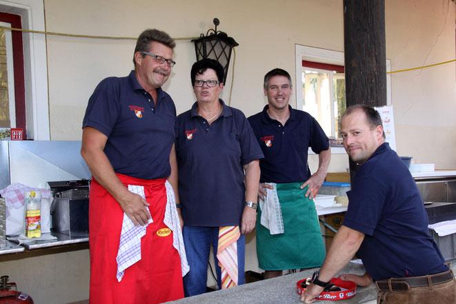 Wolfi Binder und sein Team versorgten die hungrigen Gäste wie immer bestens