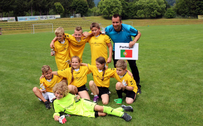 Schüler-Weltmeister 2018 - Team Portugal mit Betreuer Markus Hopfgartner