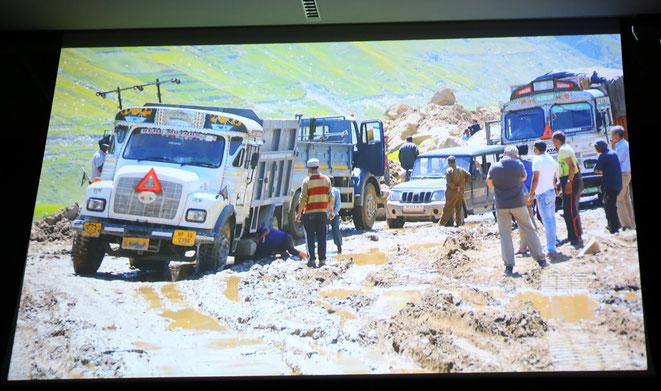 der berühmt-berüchtigte Rhotang-Pass, bekannt von der Universum-Serie - die gefürchtesten Straßen der Welt