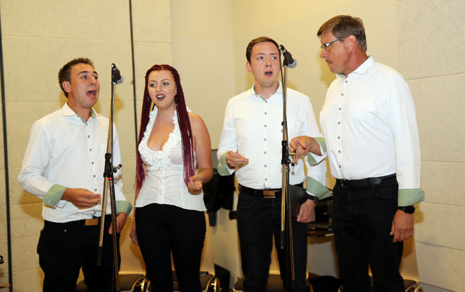 1plus3vokal - von li: Robin Lay - Johanna, Alois u. Albert Petutschnig