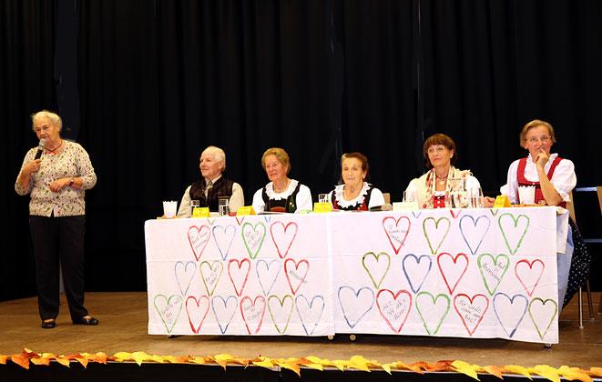 die Obfrau des Pfarrgemeinderates, Annemarie Haring, nahm die Begrüßung vor