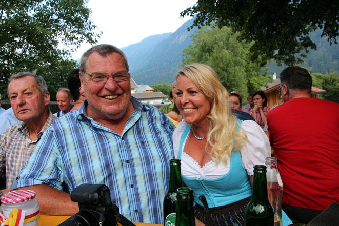 """der """"Reserve-Beobachter"""" Armin Petutschnig vlg. Melcher mit Bettina, Gattin des Olympiasiegers Fritz Strobl"""