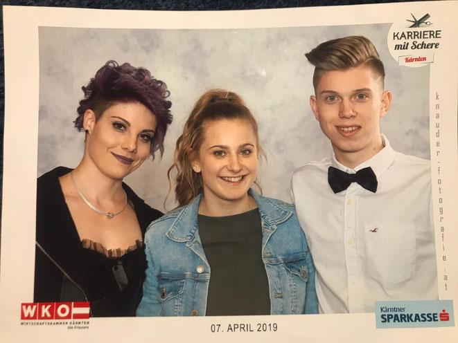 Pia (Mitte) mit ihren beiden Models