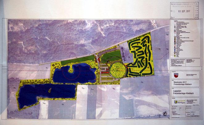geplante Zusammenlegung der Baggerteiche (blau) u. Fußballgolfplatz im Osten (grün/schwarz)