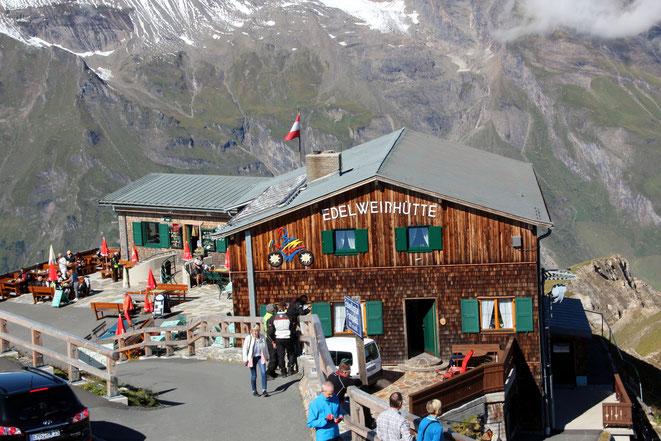 bei der Edelweißhütte haben wir das Panorama und den Apfelstrudl genossen