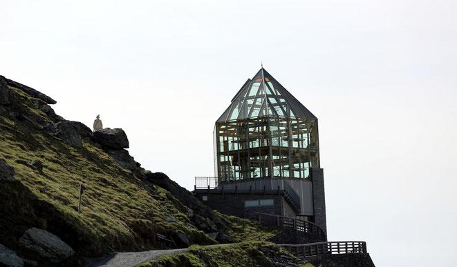 die Swarovski-Aussichtswarte mit Kaiser Franz Joseph (Links)