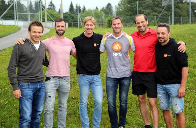 Reinhard Messner (re.) hier neben Anton Bernhard (2. v. re.), Obmannstv. Egon Ebenberger, Obmann Freddy Lampret  und weiteren Kollegen von MPG Austria