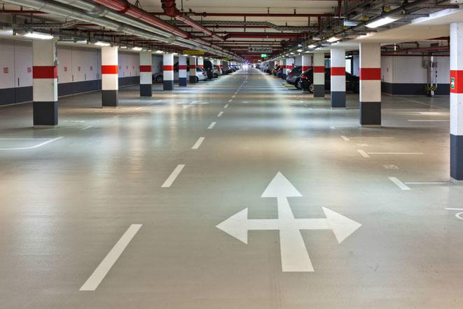 suelo de garage en pavimento poliuretano