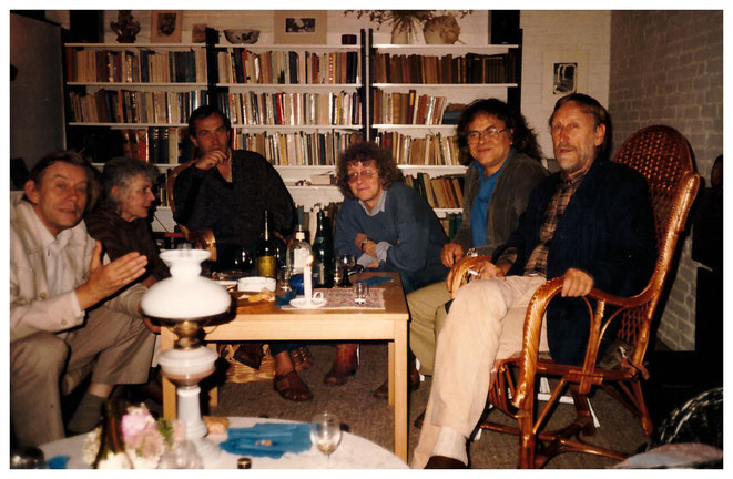Jan Budding met David en Jeanne Kouwenaar, Rob Verkerk en Fransen i.v.m. Caen-expositie '85..