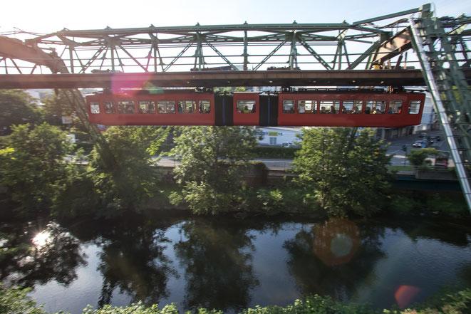 Schwebebahn | Privatdetektiv Wuppertal | Wirtschaftsdetektiv Wuppertal