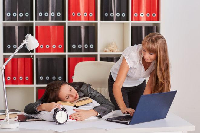 Schlaf und Diebstahl im Büro; Detektei Hattingen, Wirtschaftsdetektei Hattingen